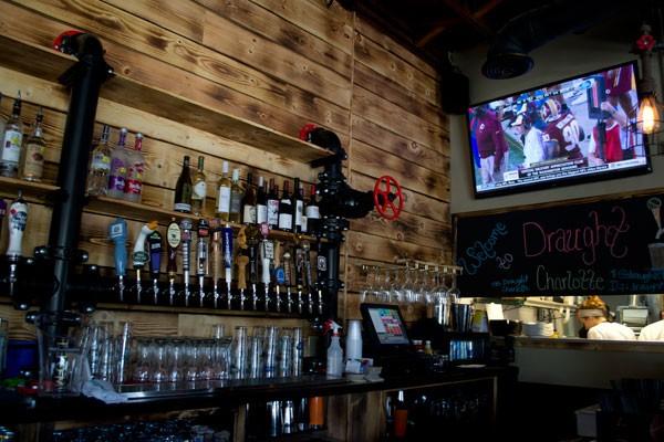 Sport Beer Bar Draught Charlotte Yang Fenomenal