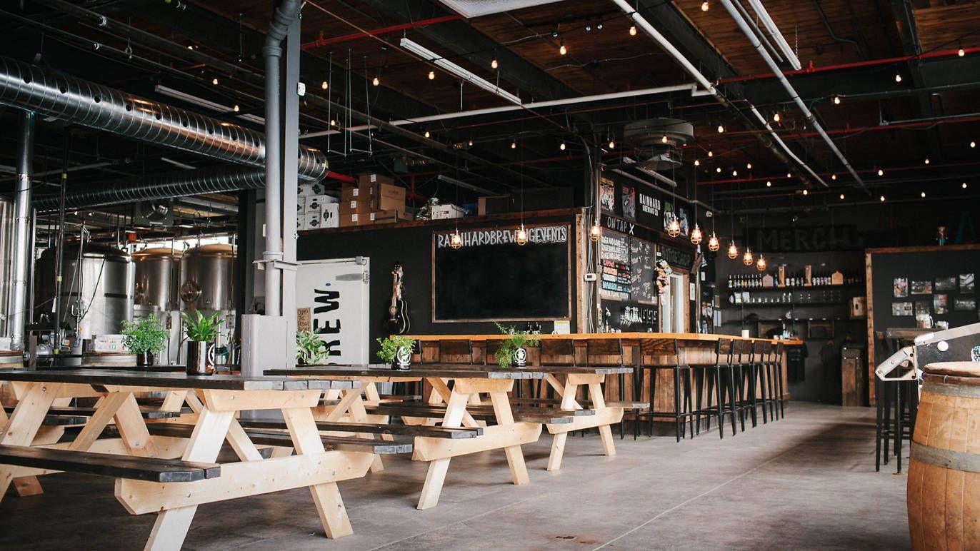 2 Konsep Khas Sport Beer Bar Draught Charlotte Di USA